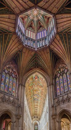 @EuropesHistory: The Octagon Latern at Ely Cathedral, England - built from 1322-34. Stunning!