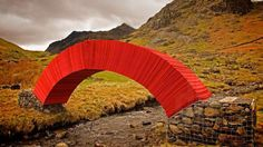 steve messam constructs weight-bearing paperbridge using 20,000 sheets