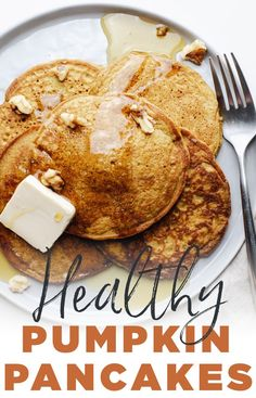 Learn how to make golden pumpkin spice pancakes for the fall season! This recipe is so easy, made with healthy oat flour, and is gluten-free & dairy-f. Oat Flour Recipes, Oats Recipes, Milk Recipes, Pumpkin Recipes, Pancake Recipes, Healthy Recipes, Gluten Free Pumpkin Pancakes, Pumpkin Spice Pancakes, Dairy Free Pancakes