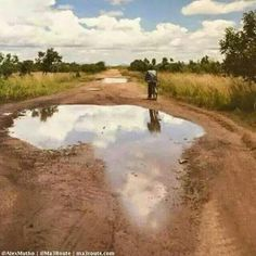 Pothole in Kabale, Uganda. Africa Map, Out Of Africa, Africa Travel, South Africa, Kenya Africa, Les Continents, African Safari, Beautiful Places, Scenery