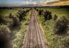 Arti Mimpi Rel / Jalur Kereta Api Melambangkan: rencana,pertukaran, komunikasi.  Arti mimpi rel kereta api:  Ingatlah untuk memperhatikan detail dalam mimpi karena dapatmempengaruhi makna. Melihat rel kereta Untuk melihat kereta api dalam mimpi, menunjukkan bahwa Anda telah menetapkan jalur yang ditetapkan untuk mencapai tujuan Anda. Kemajuan Anda akan lambat tapi stabil. Anda disiplin dan aman dalam hidup Anda. Sebagai alternatif,