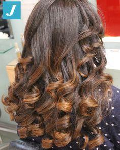 Sfumature ipernaturali di Degradé Joelle. #cdj #degradejoelle #tagliopuntearia #degrade #igers #musthave #hair #hairstyle #haircolour #longhair #oodt #hairfashion #madeinitaly
