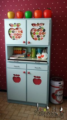 Apple cupboard