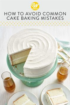 Whether you're new to baking or you're just looking to fine-tune your skills, these tips and tricks for baking a perfect cake will help you get great results every time! Baking Secrets, Baking Tips, Cake Recipes, Dessert Recipes, Desserts, Cakes Plus, Muffin Pans, Cake Business, Non Stick Pan