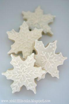 My Pink Little Cake: Snowflake Cookies.