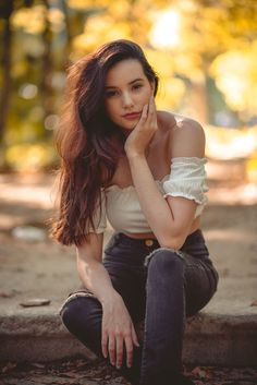 62 Ideas Photography Portrait Outdoor Girl Poses For 2019 photography 652036852281384482 Portrait Photography Poses, Photography Poses Women, Portrait Poses, Girl Photography Poses, Outdoor Photography, Creative Photography, Children Photography, Photography Ideas For Teens, Family Photography