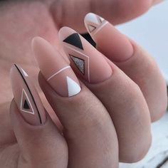 GEOMETRIC nail polish original transparent nude nail art easy to make points black minimalist trend fall winter 2018 2019 party look Christmas party triangle. Nagellack Design, Nagellack Trends, Matte Nails, Diy Nails, Acrylic Nails, Nail Nail, Nail Glue, Geometric Nail Art, Triangle Nail Art
