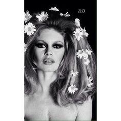 BB - #BrigitteBardot #OldHollywood #60s