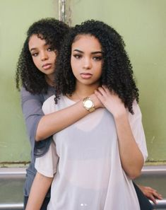 Melanin Monday It's the twins and rocking their gorgeous curly hair. It's time for some black girl magic! Check out these [. Curly Hair Updo, Curly Hair With Bangs, Short Curly Hair, Curly Girl, Hairstyles With Bangs, Girl Hairstyles, Curly Hair Styles, Natural Hair Styles, Trendy Hairstyles