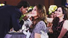 Shah Rukh and Gauri Khan's candid moments at Vogue Awards