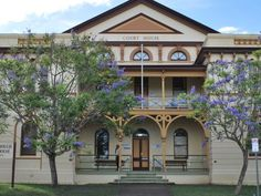 Maryborough Courthouse is located at 170 Richmond Street, Maryborough in Queensland, Australia. It has been in continuous use by the supreme, district and magistrates courts of Queensland since it was Tourist Information, Art Ideas, Bucket, Australia, Mansions, History, House Styles, Home, Historia