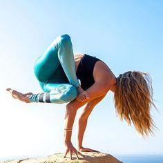 #yogagirl #yogagram #yogainspiration #yogajourney #yogalove #yogatime #yogi #practicedaily #yogafun #yogadaily #yogaeverydamnday #happyhealthyyogis #igyogafam #myyogalife #namaste #flexible #inversionjunkie #beagoddess #fitgirl #muscle #simplicity #minimalism #love #inspiration #strong #yogafun #yogapractice #practiceandalliscoming