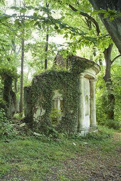 Le temple de Pan | Garden Folly, France √