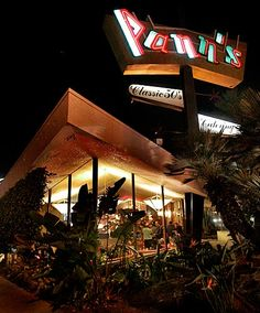 Pann's, Westchester | classic Googie architecture | designed by Helen Fong of the design firm Armet and Davis | 1958