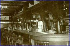 Kentucky Bar in the 1920s (Avenida Juarez)