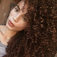 Texture @joyjah - http://bhicommunity.staging.wpengine.com/hairstyle-gallery/natural-hairstyles/texture-joyjah/
