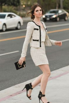 How To Create The Perfect Outfit With The Biggest Fashion Trend This Fall- Tweed - Chanel Dresses - Trending Chanel Dress for sales - How To Create The Perfect Outfit With The Biggest Fashion Trend This Fall Tweed Big Fashion, Look Fashion, Fashion Outfits, Womens Fashion, Fashion Trends, Fall Fashion, Feminine Fashion, Chanel Fashion, Petite Fashion