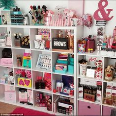 Make-up junkies flaunt their VERY stylish beauty rooms - Beauty room - Vanity Makeup Rooms, Vanity Room, Beauty Room Decor, Makeup Room Decor, Rangement Makeup, Make Up Storage, Cute Room Decor, Glam Room, Girl Bedroom Designs