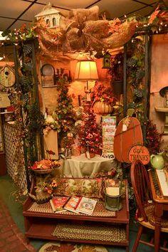 Fall Displays, Autumn Display, Gift Shops, Garden Shop, Fall Decorations, Fall Harvest, Store Design, Fall Crafts, Pumpkins
