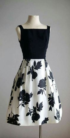www.KAYRULE.ng  🧚🧚🧚🧚🧚🧚🧚 latest and the best women's fashion in skirt. Floral pencil skirt outfit, dress skirt, black pencil skirt, skirt outfit, office skirt, official skirt, mini skirt, maxi skirt, casual pencil skirt outfit. Moda e vestido, saia #skirting #pencilskirts #pencils #outfit #longskirt #skirtfashion #mermaiddress #mermaid #moda Diva African style outfit for kids, crianças, toddler, bebê,  African princess Mode wax enfant Vestido Preto e Branco floral