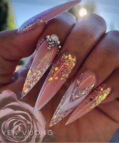 Glam Nails, Hot Nails, Bling Nails, Hair And Nails, Stiletto Nails Glitter, Bling Nail Art, Pointed Nails, Coffin Nails, Gorgeous Nails