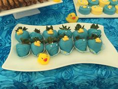 Rubber Duckies Baby Shower Party Ideas - Home Page Ducky Baby Showers, Baby Shower Duck, Rubber Ducky Baby Shower, Elephant Baby Showers, Baby Shower Gender Reveal, Baby Shower Sweets, Baby Shower Parties, Baby Shower Gifts, Shower Party