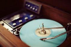 (via radio record player console by Kevin Russ via …) Record Player Console, Radio Record Player, Record Players, Lps, Pub Radio, Choses Cool, Bokeh Photography, Tumblr, Vintage Records