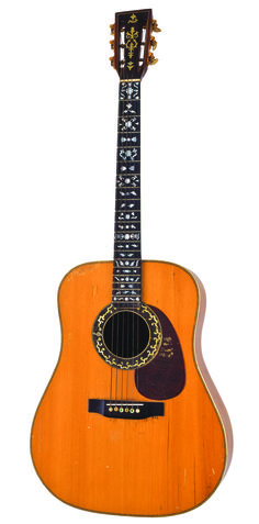 Johnny Cash's 1943 Martin D-28 --- i want to learn how to play like Johnny Cash <3