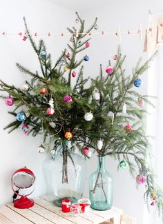 Budget-Friendly Decorating Ideas for Your Most Stylish Christmas via @domainehome