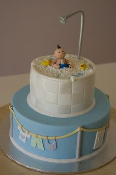 Baby Shower Cake Made this for a friend's baby shower. Thanks to gladds for her tips and letting me borrow her 'baby-shower'. Pretty Cakes, Cute Cakes, Beautiful Cakes, Amazing Cakes, Torta Baby Shower, Boy Shower, Baby Cakes, Fondant Cakes, Cupcake Cakes