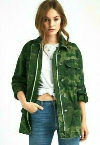 "Size Medium Bust 49"" Length 31"" Sleeve Length From Collar To Cuff 30"" Unique Fashion, Boho Fashion, People Brand, Denim And Lace, Free People Jacket, Army Green, Military Jacket, Bomber Jacket, Crop Tops"