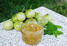 Grüne Tomaten Chutney Rezept: Top Rezeptempfehlung Chutneys, Green Tomato Chutney Recipe, Pesto Dip, Salsa Picante, Chutney Recipes, Green Tomatoes, Eat Smart, Tapas, Sweet And Salty