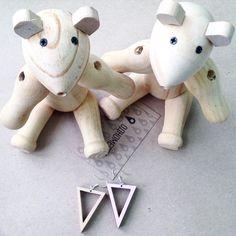 wooden earrings & 2bear