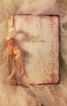 50 Once Upon A Time...Romantic Theme Beautiful Cinderella Wedding Invitations with RSVP Card    DETAILS;  Booklet Measures 5 x 4.5 Hard cover
