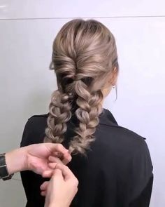 Do you wanna learn how to styling your own hair? Well, just visit our web site to seeing more amazing video tutorials! The post Glamorous Updo Tutorials! appeared first on Top Aktuelle. Top Hairstyles, Waitress Hairstyles, Braided Hairstyles For School, Popular Hairstyles, Hair Videos, Hair Looks, Hair Inspiration, Curly Hair Styles, Hair Makeup