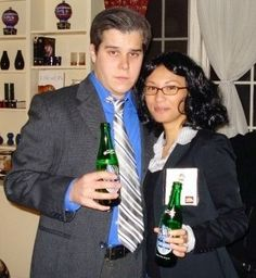 @joanspelledjoan: @nbc30rock My husband & I as the ultimate couple for Halloween. Jack & Liz#30rockelganger / 30 Rock / Halloween Costume / Liz Lemon / Jack Donaghy