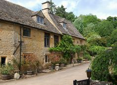 The Walk from Naunton to Upper Slaughter through the Windrush Valley by UGArdener, via Flickr
