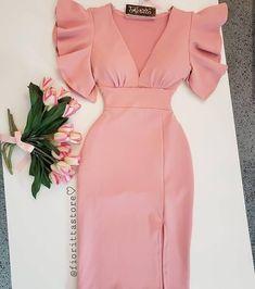 Pin by Patricia rosado on moda y estilo in 2019 Elegant Dresses, Cute Dresses, Casual Dresses, Short Dresses, Dresses Dresses, Mode Outfits, Dress Outfits, Fashion Outfits, Fashion Fashion