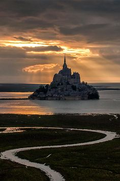 "Mont Saint-Michel, Unique Island: There are only 44 residents and 3 million ""guests"""