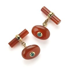 Oval cabochon cornelian and cabochon emerald cuff links set in 18ct yellow gold http://nigelmilne.co.uk/products/villa-cornelian-and-emerald-cuff-links1 #Cornelian #Emerald #Cabochon #18ct #Yellow #gold #cufflinks #Villa #Milano #Nigel #Milne #cufflinks