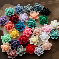 30PCS 30colors Wholesale Beautiful Mix Colorful 6-petal Flower Resin Cabochon - -12mm(CAB-I-MIXSS)