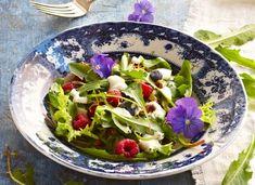 Wild Flower Salad, Voikukanlehtisalaatti, resepti – Ruoka.fi