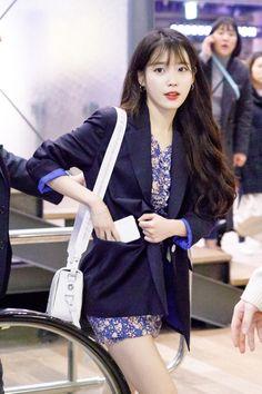 dedicated to female kpop idols. Kpop Outfits, Korean Outfits, New Outfits, Iu Fashion, Korean Fashion, Korean Actresses, Celebs, Celebrities, Beautiful Asian Girls