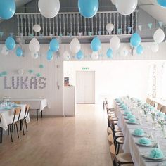 inspiration til drengedåb med den lækreste candybar Boy Baptism, Baby Christening, Christening Table Decorations, Ballon Decorations, Ideas Para Fiestas, Party Items, Holidays And Events, Kids And Parenting, Event Planning