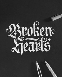 Hand lettering inspiration on a daily basis! Calligraphy and hand lettering for beginners we provide inspirational and educational content on the art of typography! Visit our website to find out more :)