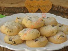 Kuru üzümlerin içinde saklı olduğu, ağızda dağılan, nefis bir kurabiye tarifi...