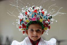 Balázs Anna rimóci, menyasszonyi viseletben .....