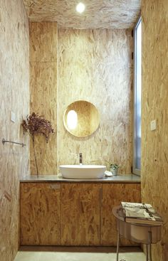 TAOA Studio / Tao Lei Architecture Studio Total look OSB en salle de bain! Bad Inspiration, Bathroom Inspiration, Home Decor Inspiration, Interior Minimalista, Osb Wood, Minimalist Interior, Minimalist House, Minimalist Bedroom, Beautiful Bathrooms