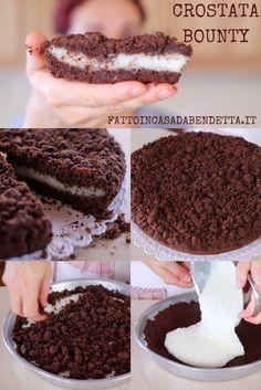 Crostata sbriciolata Bounty, ricetta facilissima per una torta morbida al cocco e cioccolato.