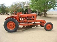 ALLIS CHALMERS SMALL ROAD GRADER  TRACTOR